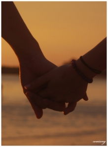 Holding_Hands_by_knightrazor